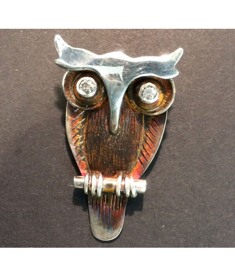 Silver brooch with Owl